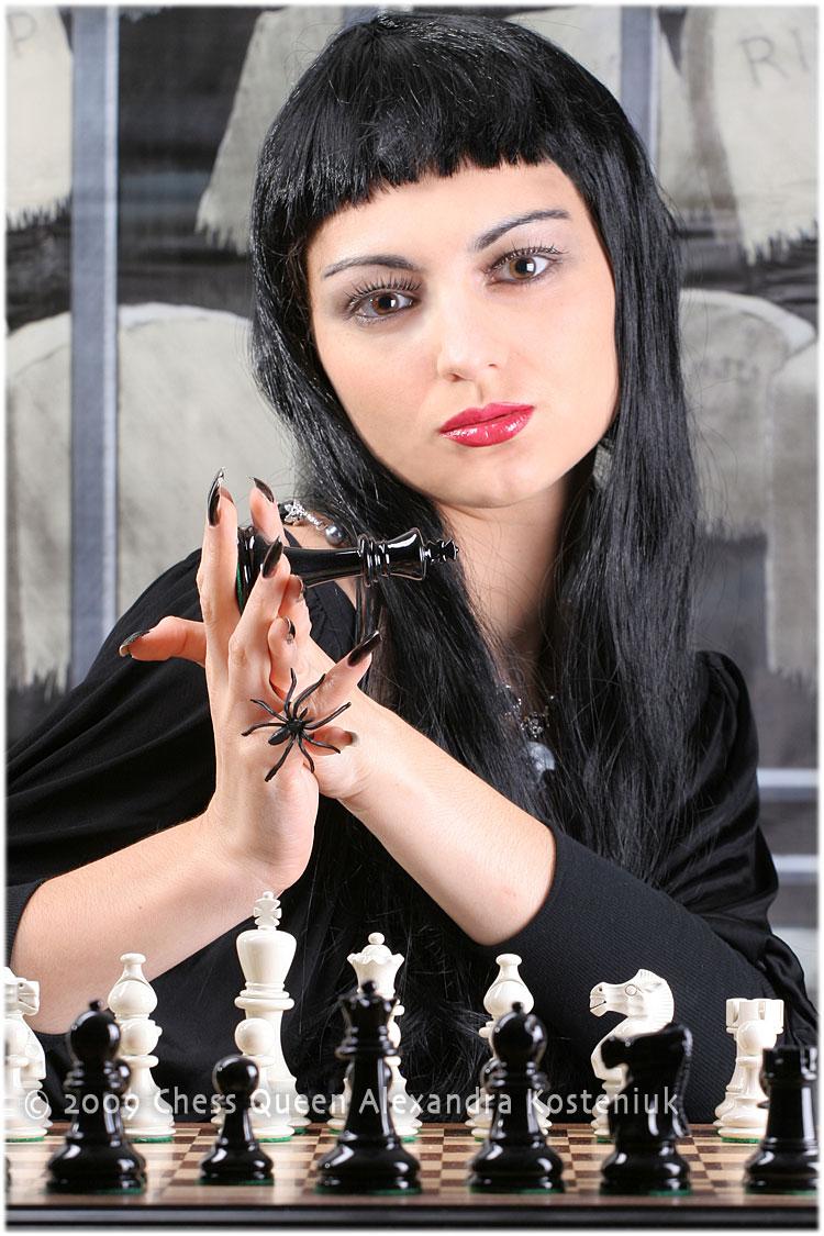http://chessqueen.com/wp-content/gallery/HalloweenRedonePics/IMG_0287b.jpg