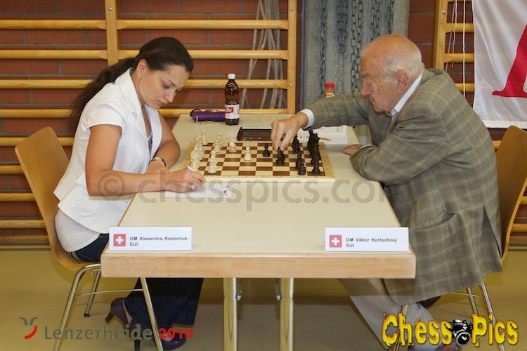 20100710_8Kosteniuk-Korchnoi