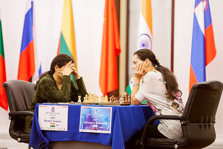 Chess Queen Kosteniuk plays Humpy Koneru