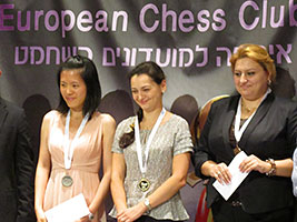 Chess Queen Alexandra Kosteniuk gets Gold on 1st Board