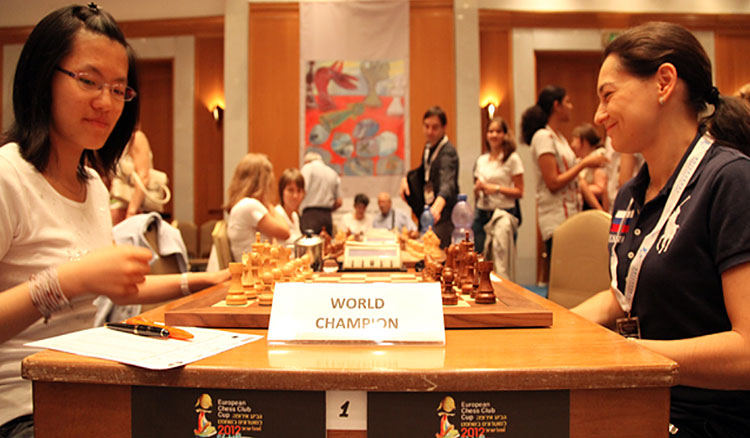 Chess Queen Kosteniuk won against Hou Yifan in Eilat 2012
