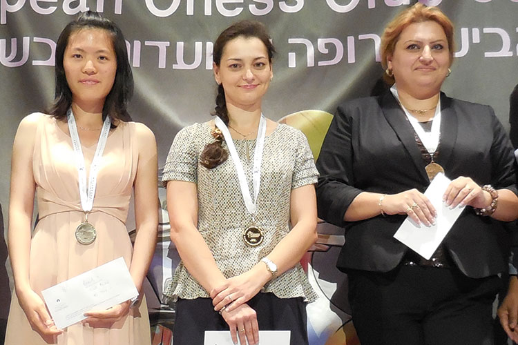 Chess Queen Alexandra Kosteniuk wins Gold at European Club Cup